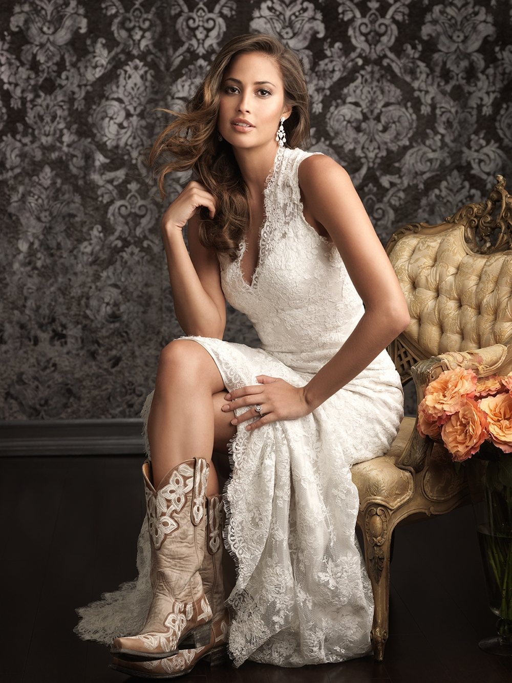 Spanish Lace Country Western Vestido De Novia Sexy Bridal Gown V Neck Low With Long Train 2018 Mother Of The Bride Dresses
