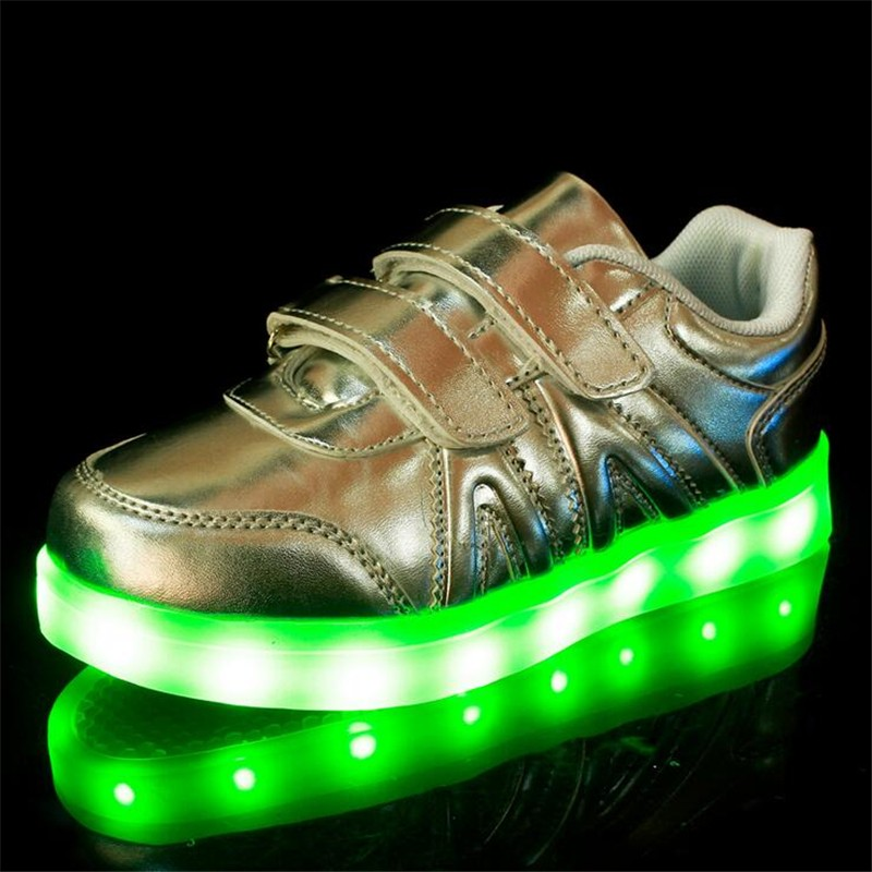 2016 New Fashion Sneaker With LED Lights Colorful Running Casual Shoes for Kids Children Boys and Girls Enfant Walking Shoes PU 2