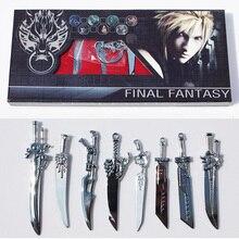 8 adet/takım oyunu Anime karikatür Final Fantasy silah Metal kılıç Cosplay Model Metal kılıç
