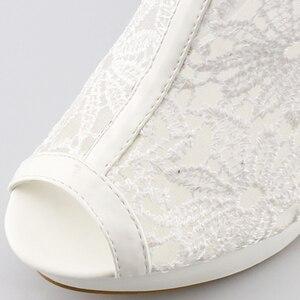 Image 5 - בתוספת גודל 35 42 אופנה סנדלי בוהן ציוץ סקסי נשים פלטפורמת משאבות תחרה רשת עבה גבוהה עקבים נעלי קרסול אתחול קיץ Sandalet