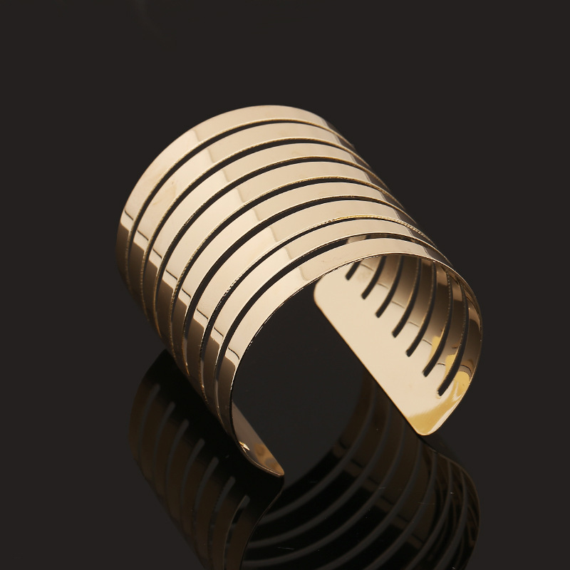 Fashion Punky Style Hollow Cuff Retro Braid Big Gold Bangles For Women Charm vintage Multilayer Wide Bangle