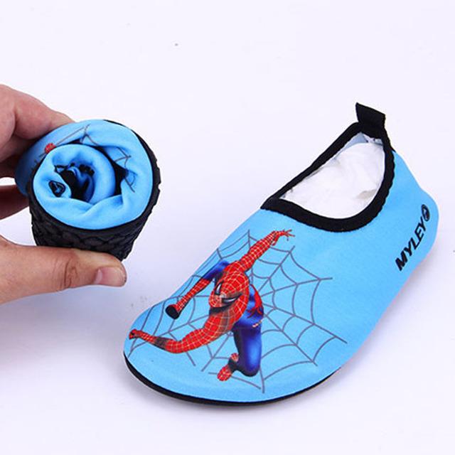 2017 muchachos de los niños de secado rápido shoes beach shoes sneakers niños antideslizante natación piscina kids shoes niño plegado chica shoes spiderman