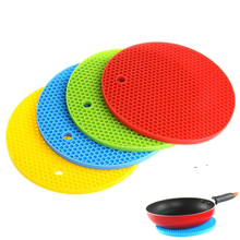 Round Heat Resistant Silicone Mat Drink Cup Coasters Non-slip Pot Holder Table Placemat Kitchen Accessories Onderzetters 1pc round silicone cup mat non slip heat resistant mat coaster bowl coffee cup placemat holder table mat kitchen accessories