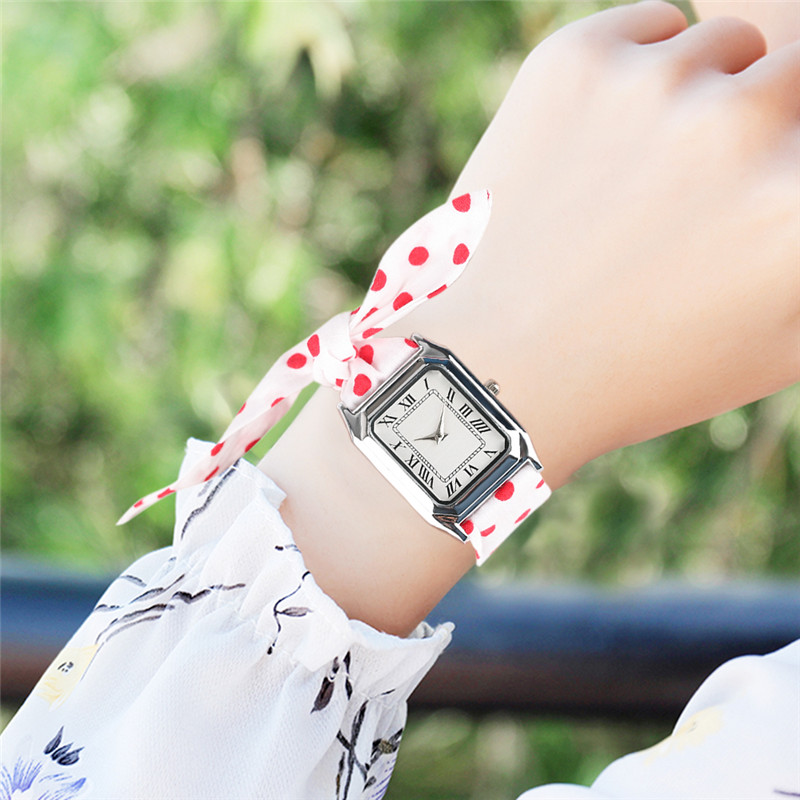 Pastoral Style Quartz Watch Handmade Red&White Dot Cloth Strap Pop Girls Wristwatch Special Bracelet relogio feminino Clock l 10 women s stylish petals style bracelet quartz analog wristwatch golden white 1 x lr626