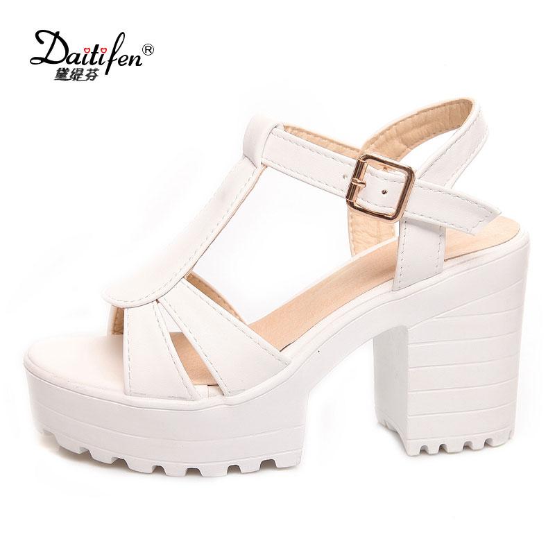 Daitifen 2018 Vente Chaude T-Sangle Femmes Chaussures Vintage Dames talons hauts Sandales Discothèque Femmes de Plate-Forme Pompes Grand taille 34-46