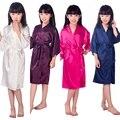 E16811 Crianças Da Menina de Flor Casamento Stain robes Camisola Monograma de Seda roupão de banho das crianças partido Da Dama de honra Noivas vestes Kimono