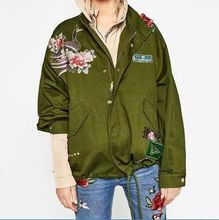 Fashion Army Green Women Bomber Jackets  Female Flight Suit Casual Rivet Phoenix Peacock Embroidered Patches Women Jacket Coats