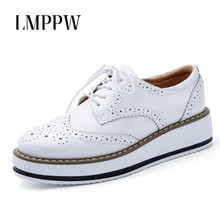 Купить с кэшбэком Spring Autumn Casual Women Shoes Fashion Lace-up Oxford Shoes for Women Flat Platform Shoes Women Leather Sneakers Moccasins 2A