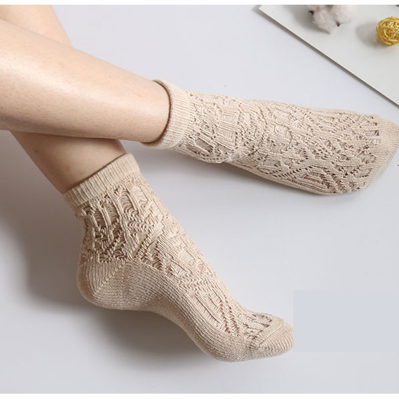 2 Pairs/Lot Woman socks The wool Hollow out restoring ancient ways Han edition Japanese Bold lines pure color  joker In the sock