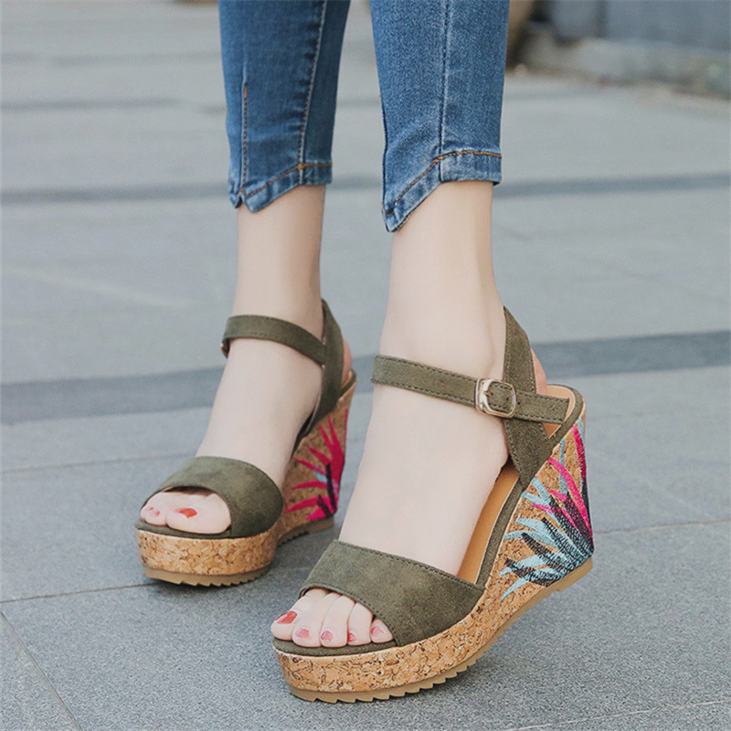 22014 sandals women the new summer 2018 sponge thick bottom fish mouth high-heeled sandals wholesale 12