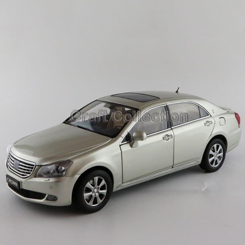 ФОТО Gold 1:18 Toyota Crown 2010 Royal Diecast Toy 13th Generation Vehicle Metal Miniature Model Car Kits