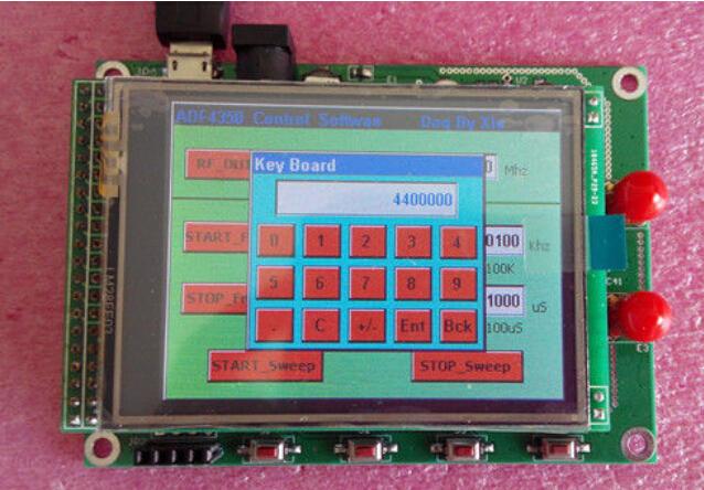 Prix pour 1 PCS ADF4350 DDS Générateur de Signaux RF 137 M-4.4G + TFT LCD conseil de Développement STM32F103