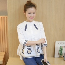 Blouse Shirt Women 2017 New Spring Floral Embroidery 3/4 Sleeve Shirts Female Tops Ladies Clothing AE270