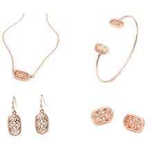 Hot Selling Small Oval Filigree Gold Silver Hollow Out Pendant Necklace Set Women Fashion Jewelry Wholesale 2020 hot selling hollow out big oval dangle earrings hot brand statement women fashion earrigns