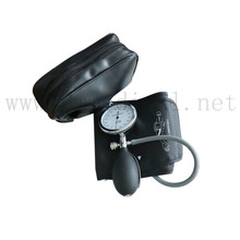 купить Adult Manual Blood Pressure Cuff, Single Tube Cuff with Pressure Gauge and Inflation Bulb. по цене 1317.6 рублей