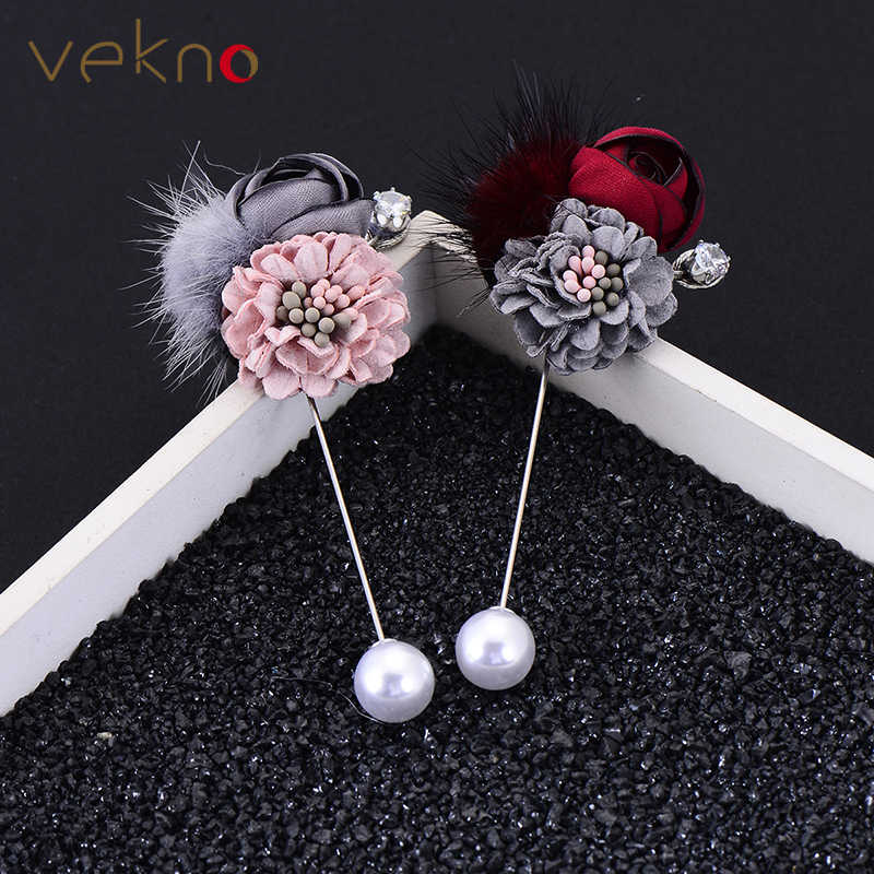 VEKNO Handmade Fabric Rose Flower Brooch With Hairball 10mm Imitation Pearl Lapel Pin Men Suits Dress Wedding Bridegroom Jewelry