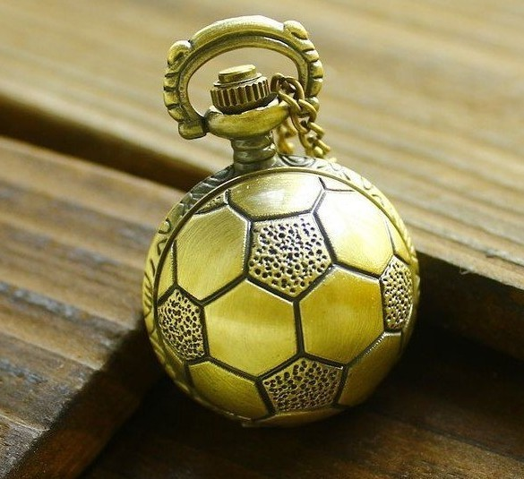 Wholesale Pocket Watch Necklace Good Quality Bronze Retro Fob Watches Antique Brass Football Soccer Ball With Chain Hour