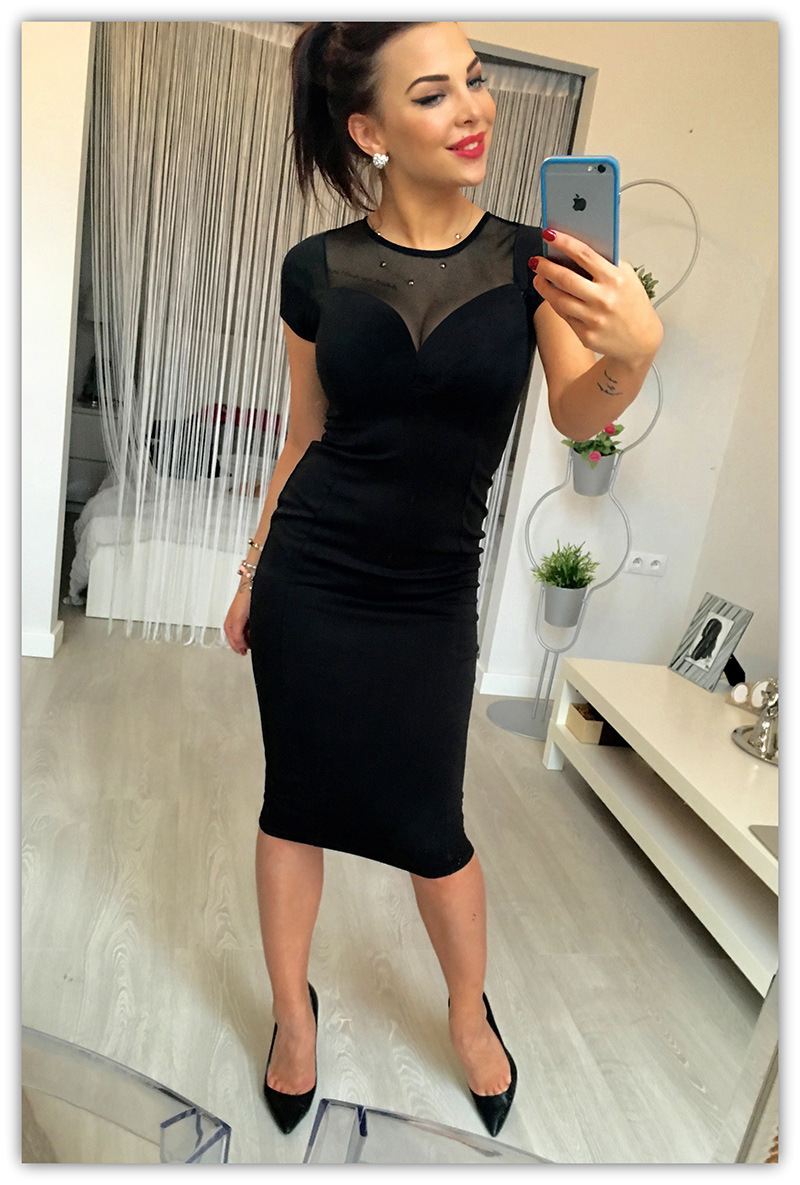 En el verano de 2017, el nuevo Apretado Atractivo Negro vestido de costura de en