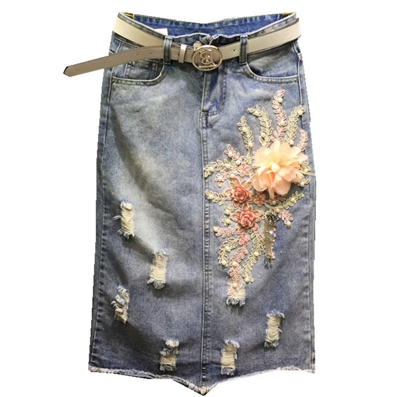 2019 jupes en denim brodées bouton jupe en jean avec broderie jeans jupes droites bleu clair jupe courte à fleurs avec