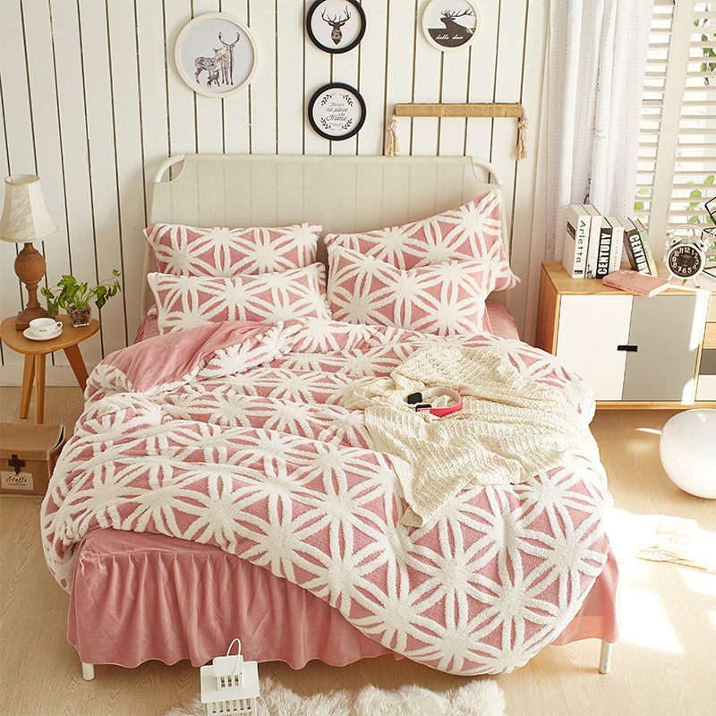 Thick fannel Duvet Cover Set Princess Bedding Set Bed skirt Pillowcase warm Duvet Cover Bed Quilt Bedlinen BedclothesThick fannel Duvet Cover Set Princess Bedding Set Bed skirt Pillowcase warm Duvet Cover Bed Quilt Bedlinen Bedclothes