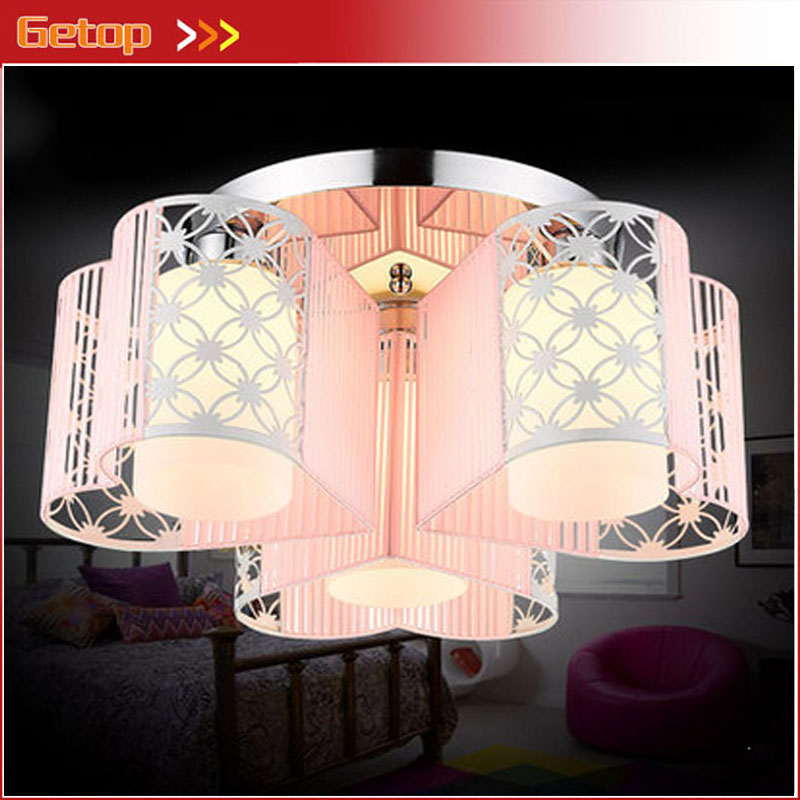 ФОТО ZX Modern Romantic Heart Shape E27 LED Ceiling Lamp Creative Pink Cloth Circular Chassis Lights for Wedding Room Bedroom Lamp