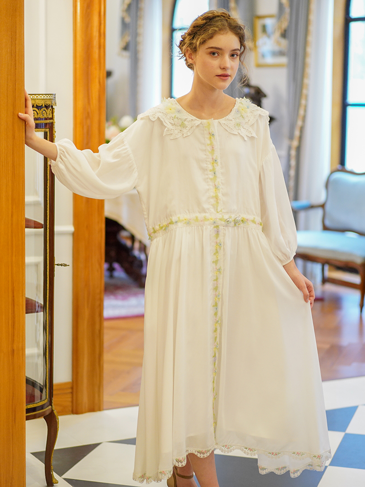 Summer Ladies Ultra Casual Loose White Dress WomenVintage Luxury Engraving Large Lapel Embroidery Lace Hem Long Dress Robe Femme