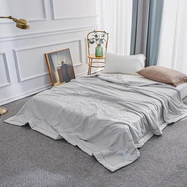 Nuevo edredón de 2019 llegada Venta de colcha larga de algodón grapa de verano colcha de tamaño queen acolchado bordado 200x230 cm adulto ropa de cama