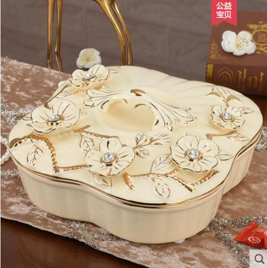 European ceramic dry fruit tray frame with cover large candy basin creative living room coffee table home snack box ornaments in Bottles Jars Boxes from Home Garden