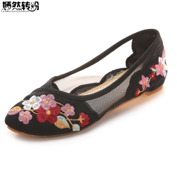 Chinese Summer Women Flats Pointed Toe Gauze Breathable Mesh Floral Embroidery Soft Ballerina Shoes Woman Zapatos Mujer Casual цена 2017