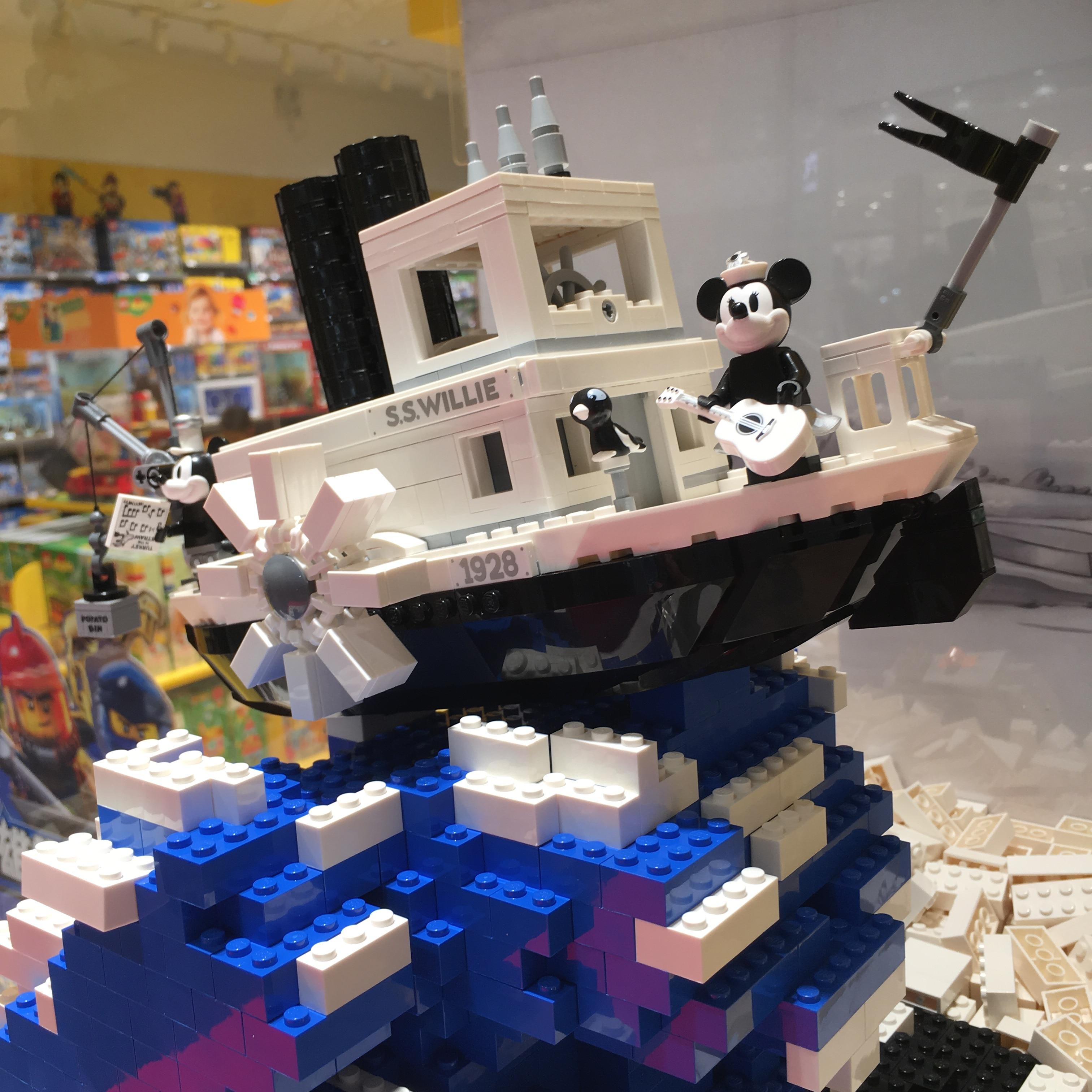 En stock 21317 idées Mickey Steamboat Willie dessin animé bateau à vapeur modèle de souris Compatible avec Legoing 21317 créateur de blocs de construction