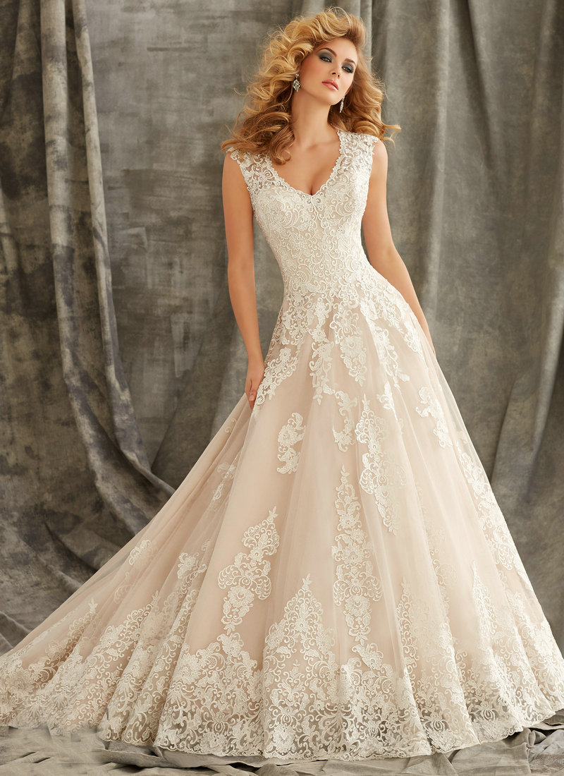 1344 Cap Sleeve Wedding Gowns 2015 Ivory Lace Dress Wedding Illusion Back With Button Ball Gown