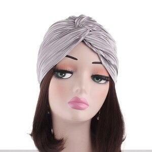 Image 2 - Casquette en Satin pour femmes musulmanes, Turban pour dormir, couvre chef, bonnet pour patients atteints de Cancer, accessoires de perte de cheveux