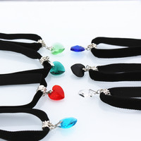 Velvet necklace Japan Harajuku retro European and American heart-shaped crystal pendant lace black peach heart