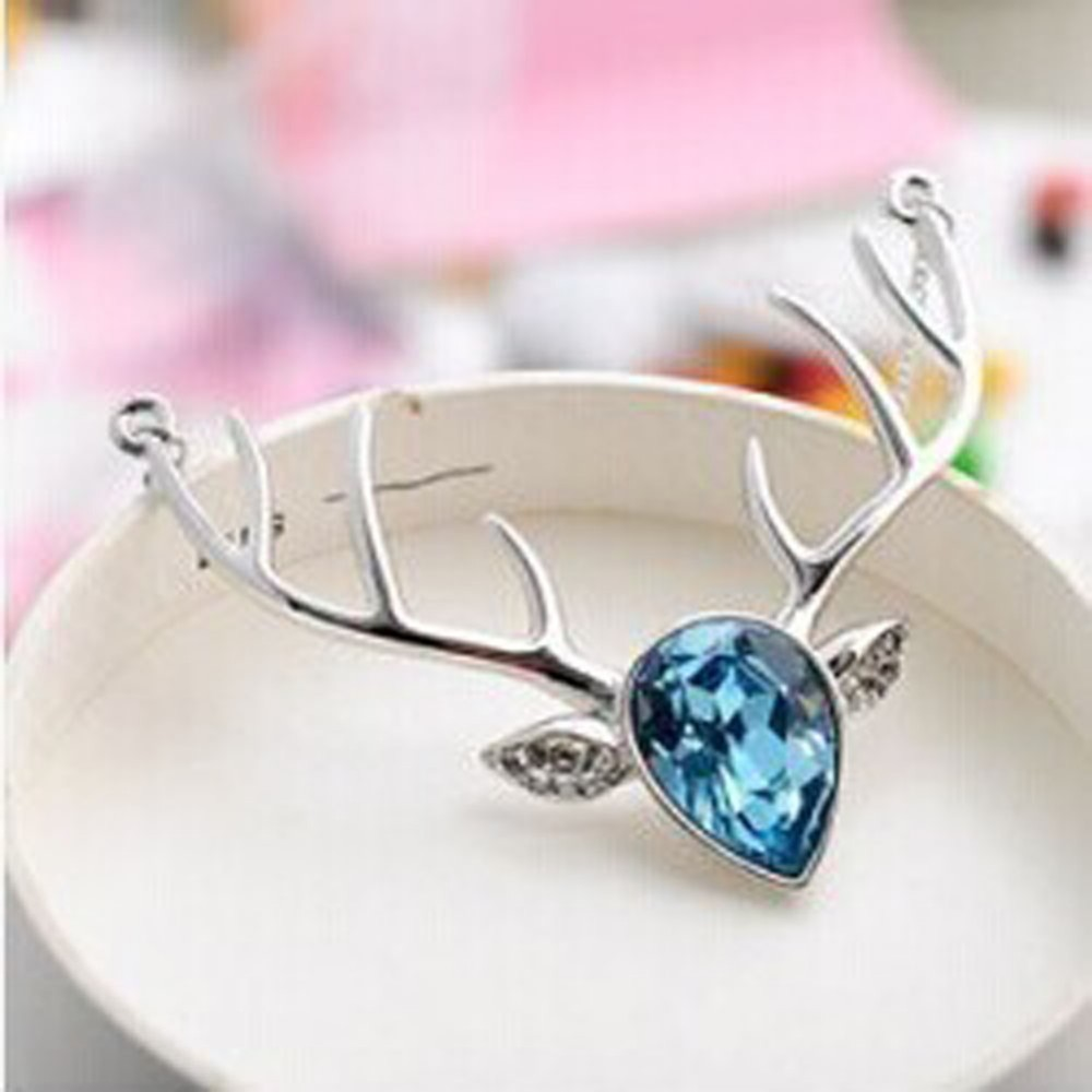 Austria Crystal Deer Head Pendant Necklace