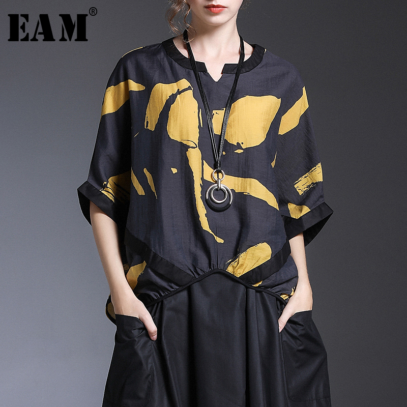 [EAM] 2020 New Spring Summer V-collar Half Sleeve Print Pattern Temperament Loose Big Size Shirt Women Blouse Fashion Tide JX251