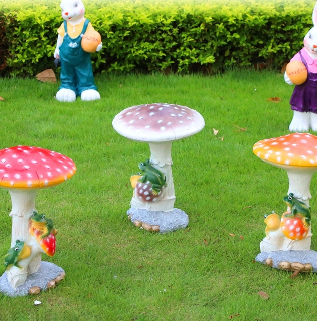 Outdoor Garden Ornaments Resin Plant Courtyard Decorated Decoration  Simulation Large Mushroom Lawn Sculpture Crafts