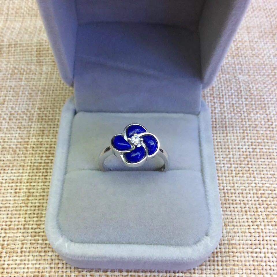 Retro Silver S925 Sterling Silver Inlaid Natural Afghan Lapis Lazuli Open Ended Clover RingRetro Silver S925 Sterling Silver Inlaid Natural Afghan Lapis Lazuli Open Ended Clover Ring