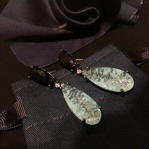 Image 2 - Bilincolor de moda de lujo verde cz con pendientes barrocos de gota de perla blanca para mujer
