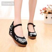 Veowalk zapatos informales con plataforma oculta para mujer, zapatillas femeninas de lona bordada, con correa de tobillo Retro, cómodos zapatos planos con bordado chino para mujer