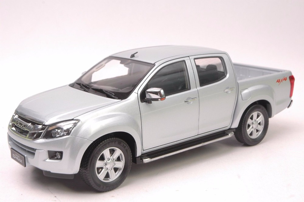 1:18 Diecast Model for ISUZU D-MAX Silver Pickup Alloy Toy Car Miniature Collection Gifts D MAX DMAX Truck 1 18 diecast model for jeep compass 2017 silver suv alloy toy car miniature collection gift