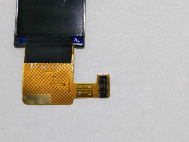 LCD display screen for Q90 G72 gps tracking watch 1.22 inch It requires professional welding for installation