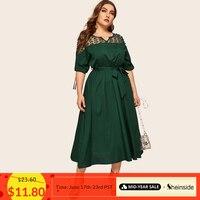 Sheinside плюс Размеры V образным вырезом Контраст Сетчатое платье Для женщин элегантная обувь со шнуровкой и отворотами длинное кружевное плат...