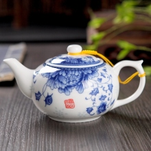 Ceramic travel office Tea set single teapot,Blue and white porcelain tea pot 220ml
