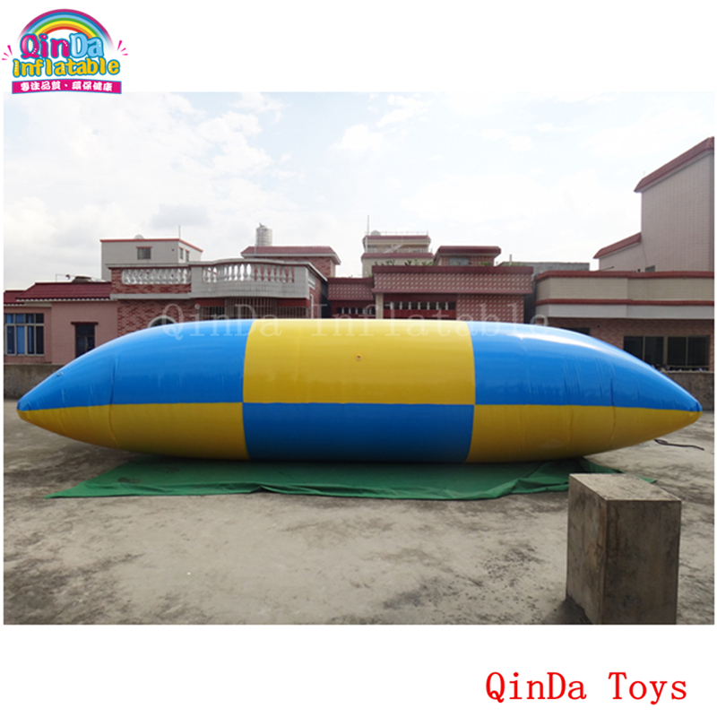 Free air pump inflatable jumping bag,6m long inflatable water catapult blob for sale