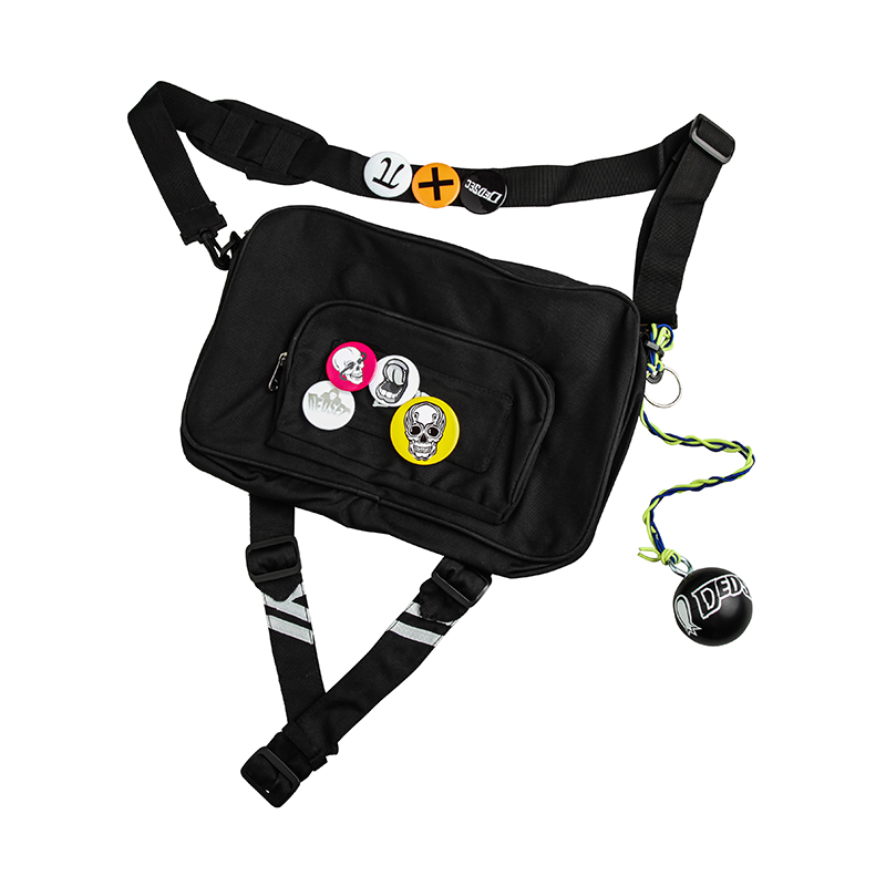 Watch Dogs 2 Marcus Holloway Cosplay Bag Men Messenger Bag shoulder bag with badge Pendant