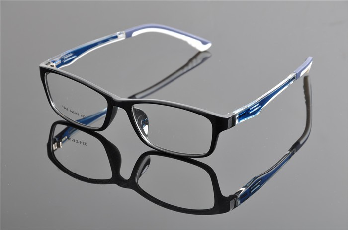 c2 black blue glasses (1)