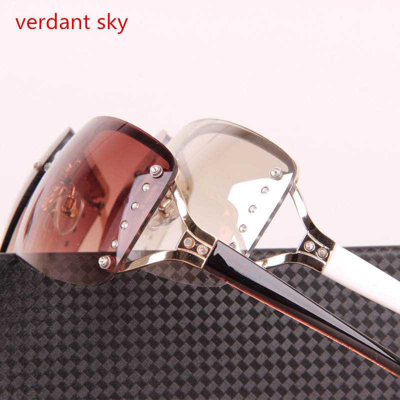 1f924a53f7 2018 Rimless gafas de sol mujer Diamante de lujo blanco marco cuadrado  gafas de sol de marca para las mujeres con 100% anti ultravioleta en Gafas  de sol de ...