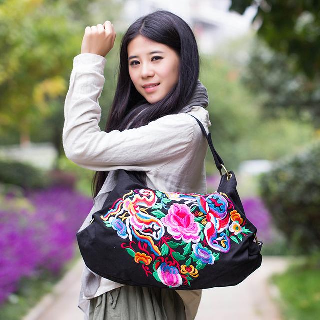 Estilo chinês Étnica Do Vintage Saco Da Forma Saco de 2 Cores Mulheres Saco Bordado Peônia Abstrato Da Borboleta Saco de Ombro Da Lona Bolsa