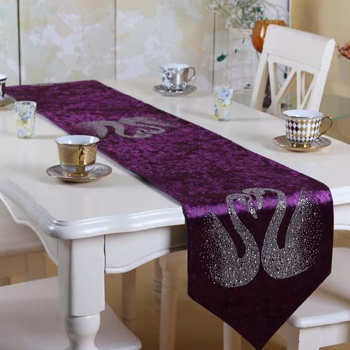 Luxury Velvet Rhinestone Table Runner /modern Tablecloth/party Table Cover  Free Shiping