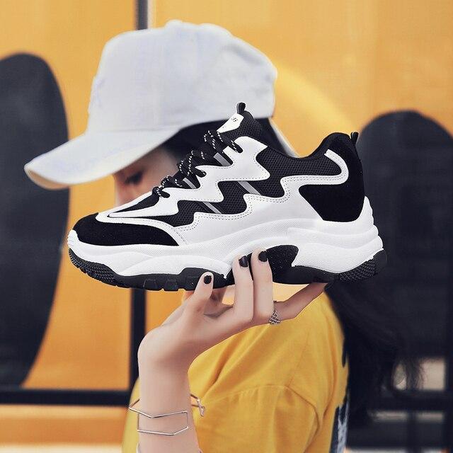 Черные кроссовки на платформе Для женщин 5,5 см каблук толстой подошве легкие мягкие дышащие папа обувь sapato feminino Flatform корзина туфли на танкетке